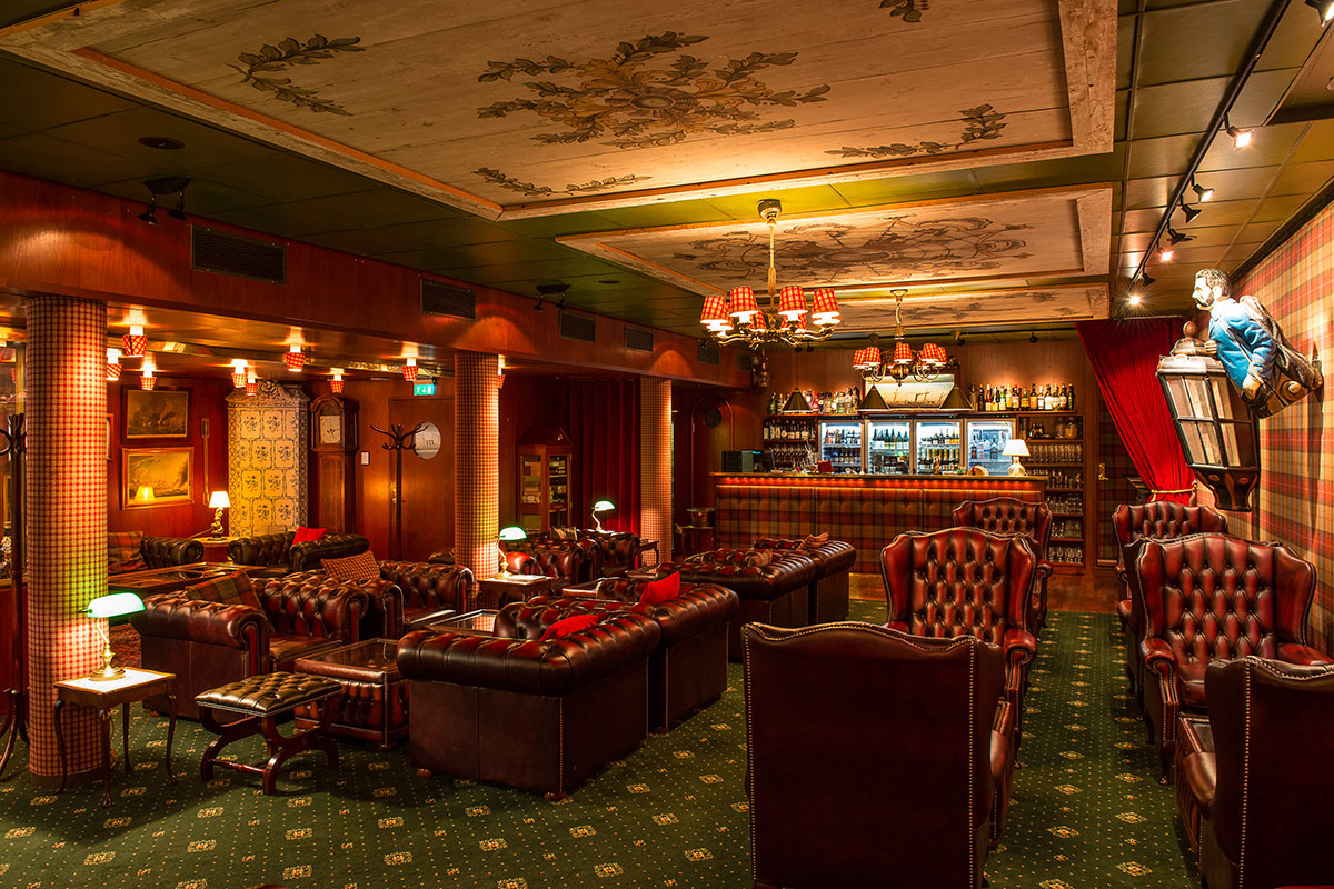 Tweed Bar, Victory Hotel